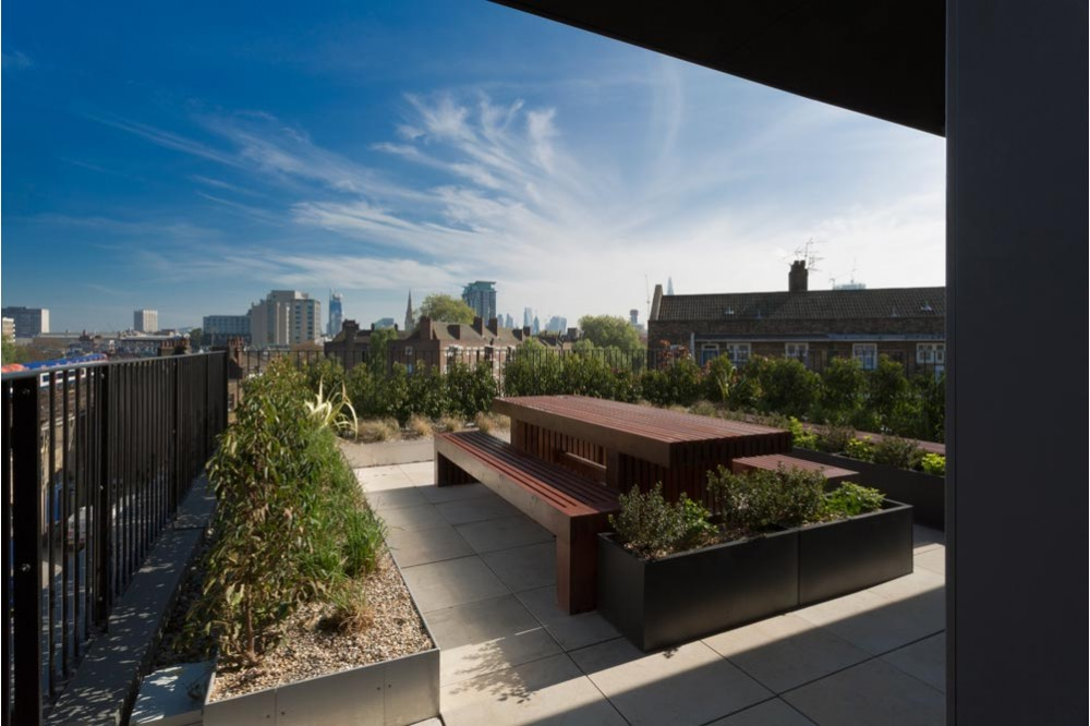 The homes were built using modular construction, speeding up the delivery of much needed affordable homes and minimising disruption to local residents. The scheme includes communal roof terraces with great views across central London and secure cycle storage.